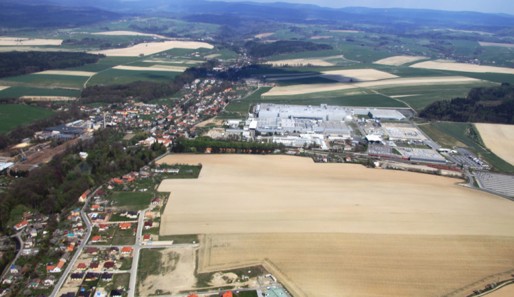 Část zóny Kvasiny se kvůli úsporám možná stavět nebude
