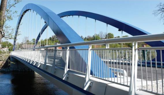 Most ve Svinarech je po roce zase plně funkční