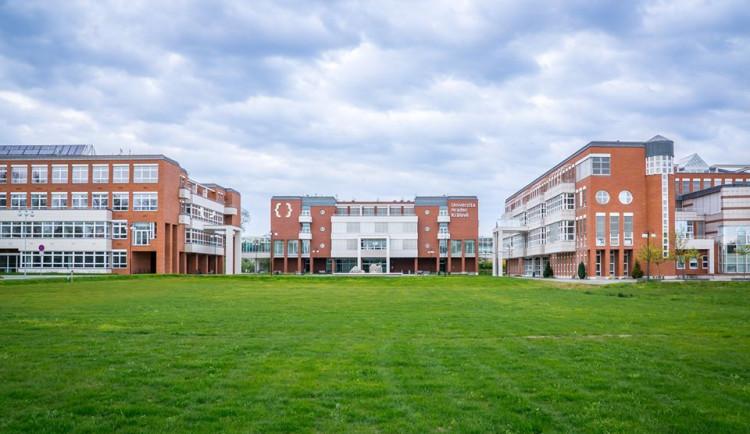 Univerzita chystá velké investice. Na opravu svých budov vydá půl miliardy