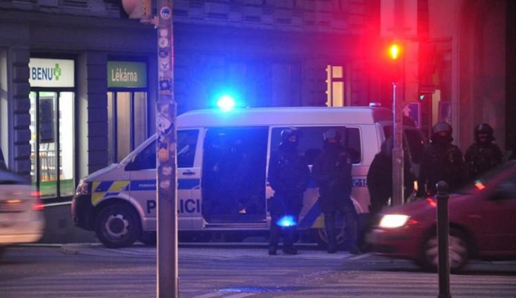 Drama na Jičínsku. Muž střílel a ohrožoval i policisty. Zásahová jednotka ho těžce zranila