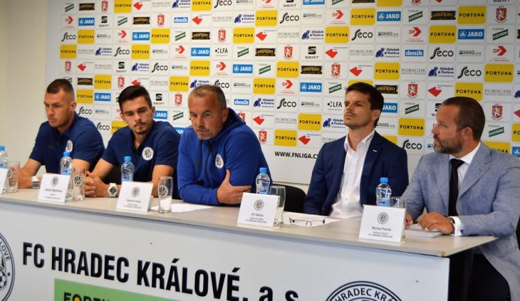 Hradec obměnil vedení fotbalového klubu, je v něm i kouč Škorpil