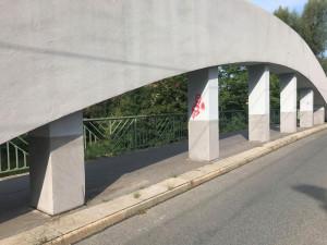 Malšovický most je opět počmáraný