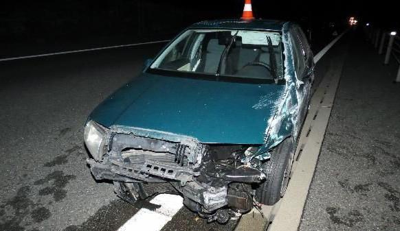 Řidič se na dálnici údajně lekl pavouka a naboural. Nadýchal skoro dvě promile!