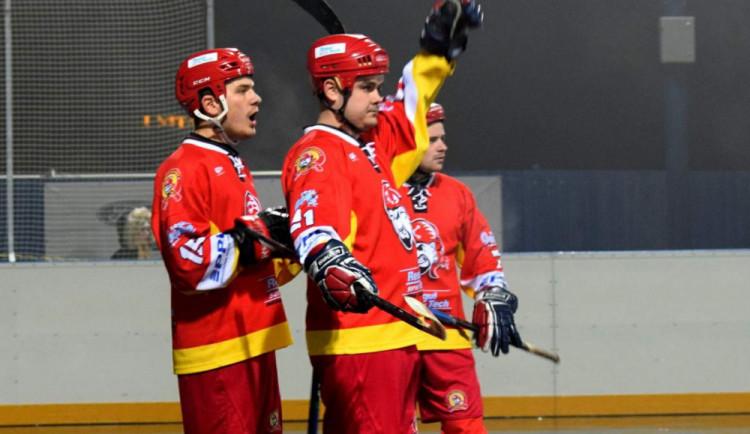 Hokejbalisté Hradce Králové kousali těsnou porážku v dalekých Sudoměřicích