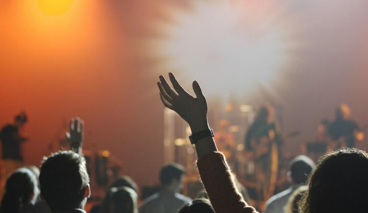 AKTUÁLNĚ: Hip Hop kemp v Hradci definitivně skončil! Pořadatelé jsou znechuceni přístupem města a policie