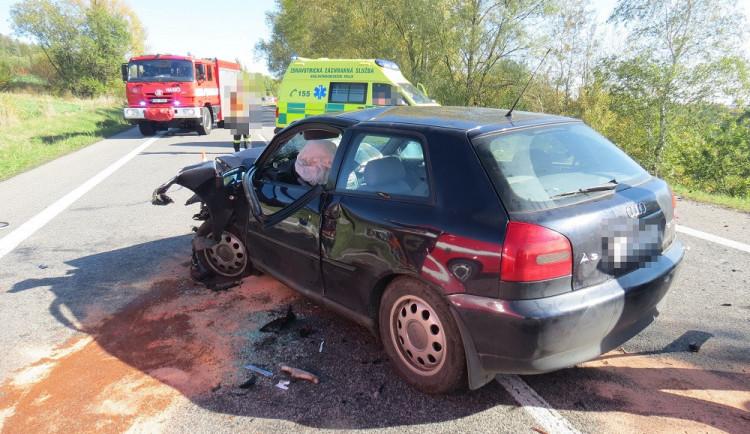U Jičína se stala vážná dopravní nehoda tří osobních vozidel