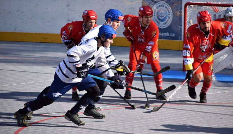Další úspěšný zápas! Z horké půdy Kladna si hradečtí hokejbalisté odvezli bod